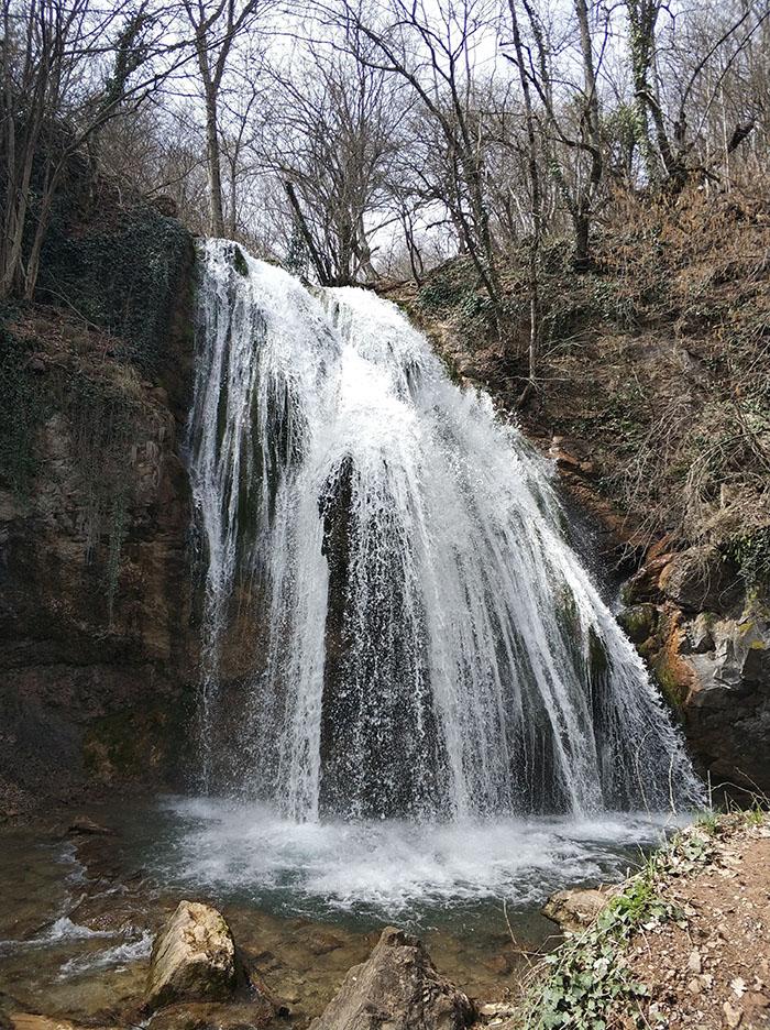 Рядом с водопадом Джур-Джур